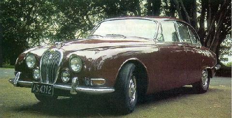 Jaguar 3.8L S-type (1965, side front view)